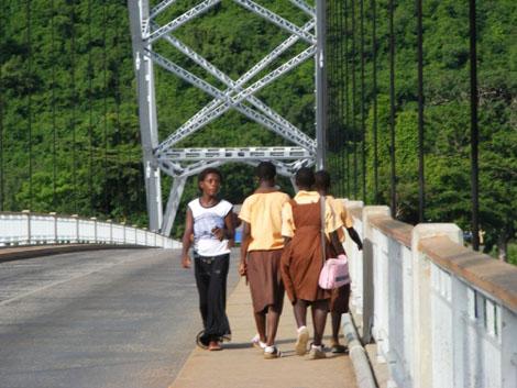 Voltasee - Akosombo Brücke