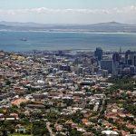 Abbildung 1: ein Blick auf Kapstadt - eine besondere Metropole mit großem anziehungspotenzial für Touristen. Auch hier finden im August interessante Events statt – ein gutes Beispiel ist das Cape Town International Nando's Comedy Festival.