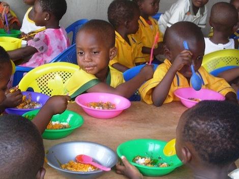 Mittagessen in der Kindertagesstätte
